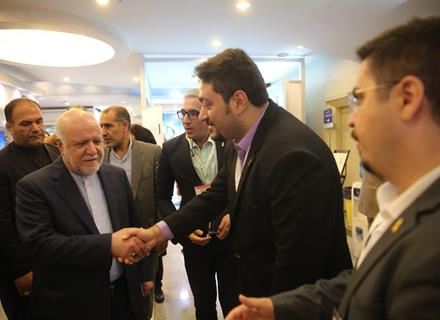 Iranian Minister of Petroleum Bijan Zangeneh visited the pavilion of Pasargad Energy Development Company.